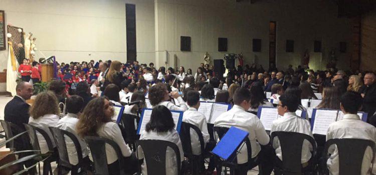 L'orchestra dell'IC2 supera se stessa nel concerto di Natale